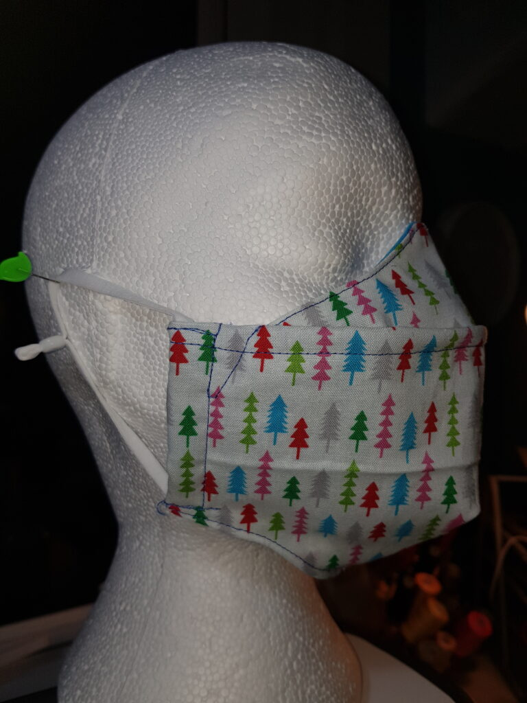 White Christmas tree antifog facemask